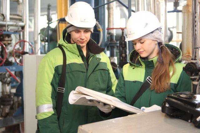 Сотрудникам компании каждый год индексируют заработную плату.