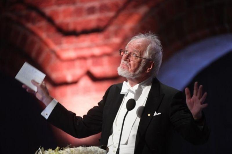 Майкл Росбаш произносит речь, получив Нобелевскую премию в области медицины