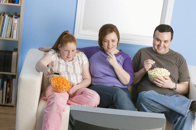 Почему от телевизора толстеют?