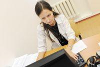Телемедицина позволяет врачам краевых клиник на расстоянии принимать пациентов и консультировать их лечащих врачей.