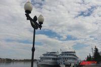 Река Волга - одно из главных туристических достояний региона.