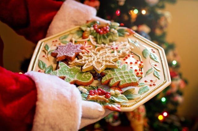 Новогодние десерты не только вкусные, но и очень красивые.