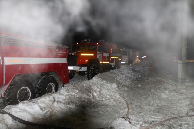 Масштабный пожар произошел наулице Краевой вБарнауле
