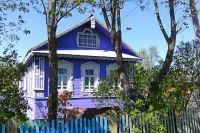 Если садовый домик новый, то одновременно с постановкой на кадастровый учёт нужно зарегистрировать права на него.