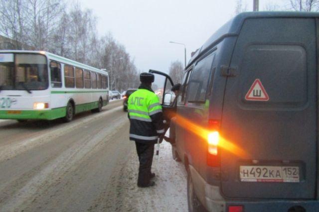 Нижегородские полицейский устроили облаву на должников.