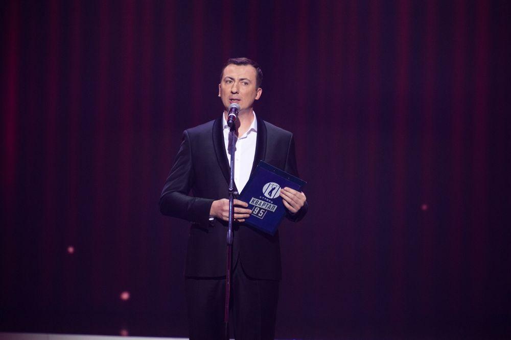 Постоянный гость «Вечернего Квартала» Валерий Жидков своими остроумными шутками заставил смеяться весь зал.