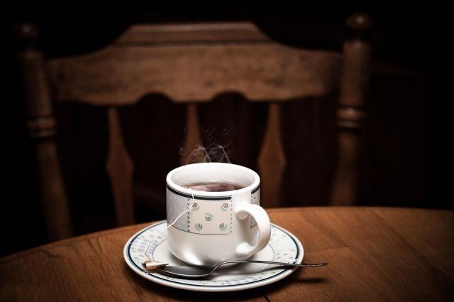 Пачка пакетированного чая стоит 55 рублей.