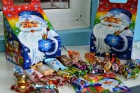 Новогодние наборы для алтайских школьников
