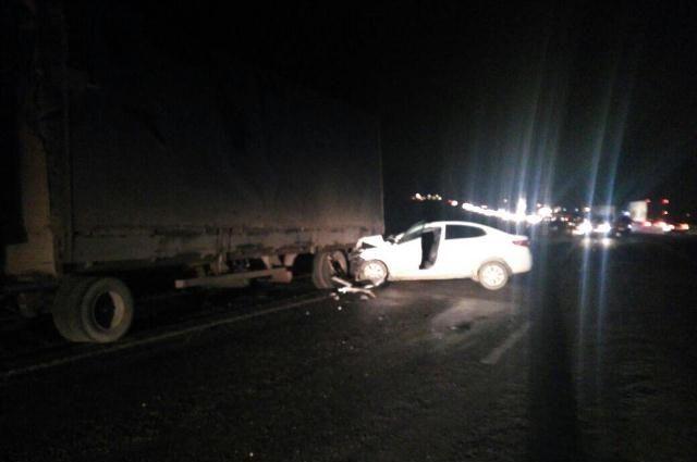 Вмассовой трагедии с 2-мя грузовиками ииномаркой пострадал мужчина наСтаврополье