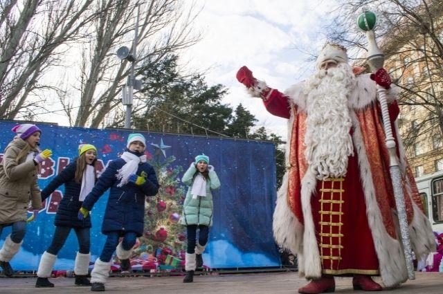 В Новосибирске начинают отмечать новогодние праздники