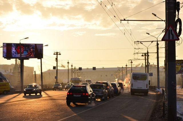 Выделенные полосы для общественного транспорта решили вопрос с пробками на Гагарина.