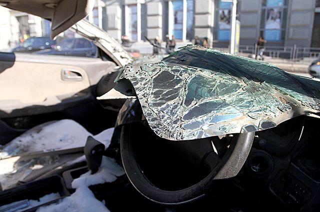 Авария произошла у перекрестка с круговым движением.