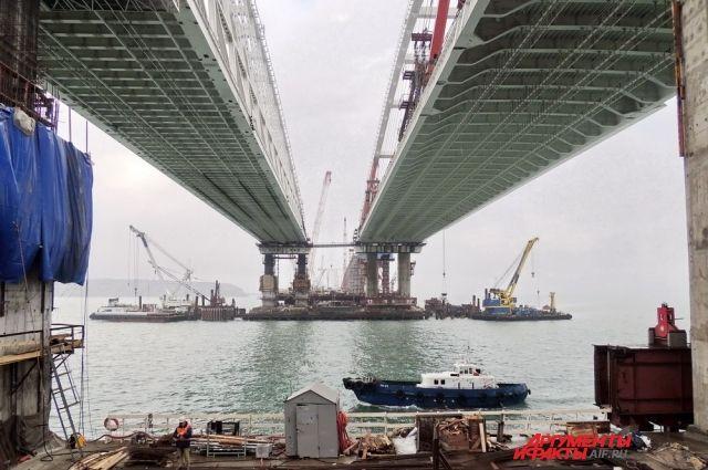 Укладка асфальта наКрымском мосту завершена на50 процентов