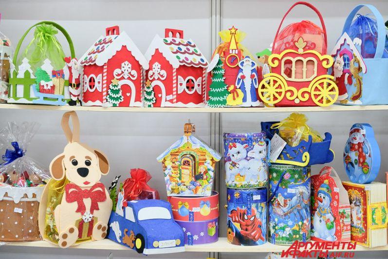 Сладким подаркам от кондитерских фабрик будут рады не только дети, но и взрослые.