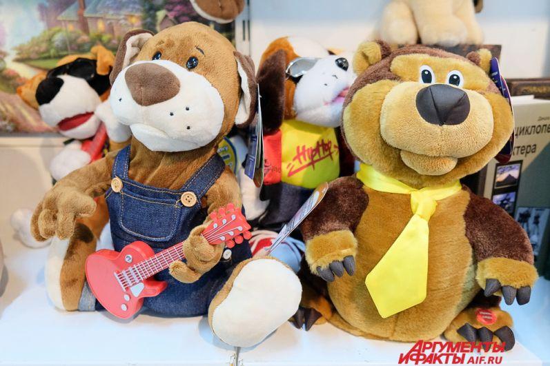 Самым популярным сувениром, конечно же, является собака - символ 2018 года по восточному календарю.