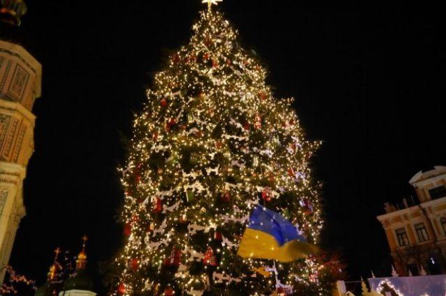 В Киеве людей будут пускать на открытие главной елки через металлоискатель