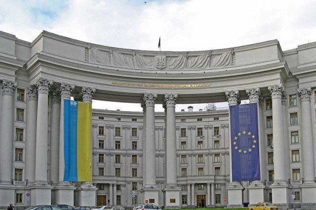 МИД: Биометрическое подтверждение граждан заработает в Украине с 2018 года