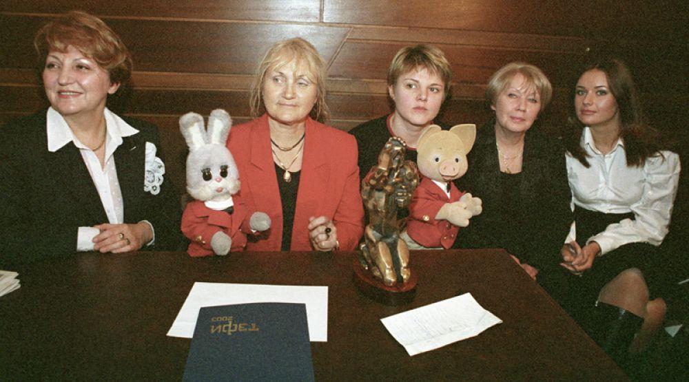 Коллектив телепередачи «Спокойной ночи, малыши!» после церемонии вручения премии «ТЭФИ». 2003 год.