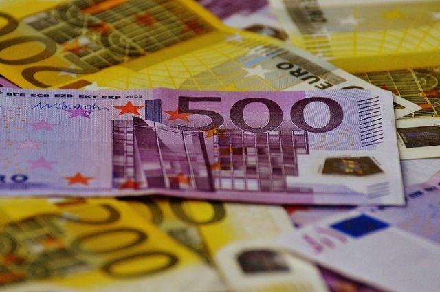 В Москве мужчина купил поддельные евро на сумму более 138 миллионов рублей