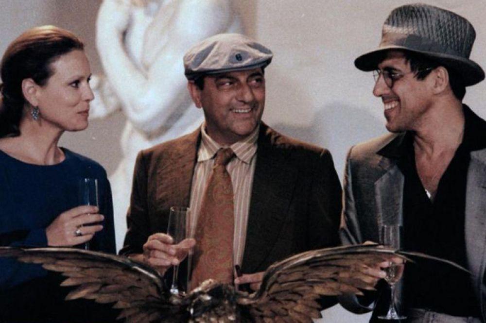 В 1985 году Челентано представил свой новый фантастический мюзикл «Джоан Луй», где он выступил как режиссёр, композитор и актёр.