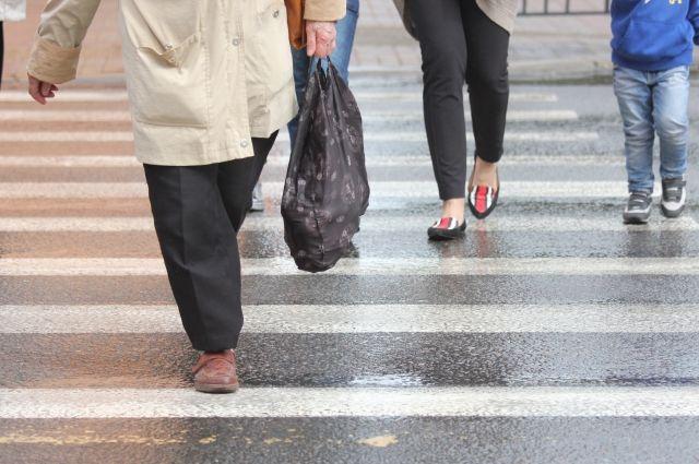Что делать пешеходу, который не успевает перейти дорогу на зелёный свет?