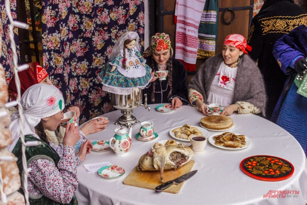 Традиционное татарское чаепитие с зур бэлиш и треугольниками