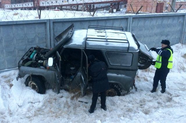 Соликамск: 26-летний мужчина угнал автомобиль иустроил два ДТП