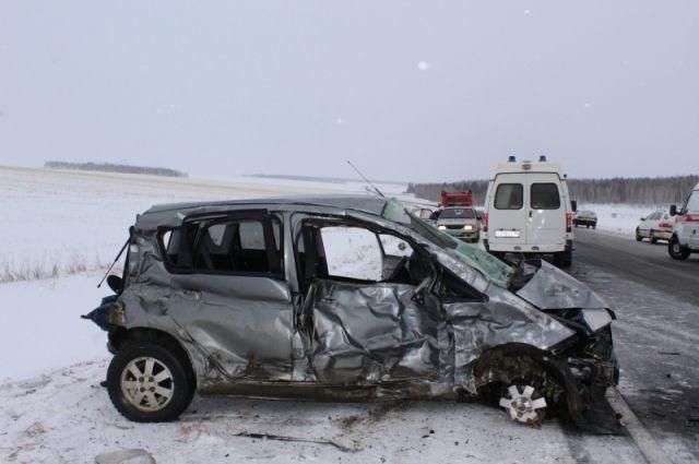 Смертоносная авария вИркутской области: среди пострадавших трое детей