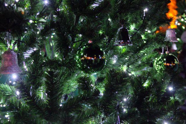 Иркутск активно готовится к Новому году.