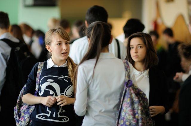 Перед школой непростая задача: и язык сохранить, и права учащихся не нарушить.