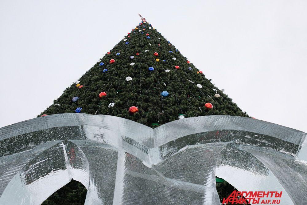 Первый новогодний фейерверк начнётся на эспланаде в 00:00 и продлиться 3 минуты, затем в два часа ночи в течение семи минут будет второй.
