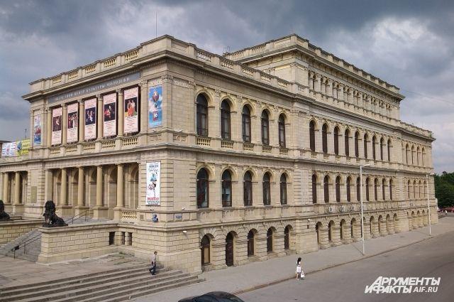 Бывшая Кёнигсбергская биржа - одно из красивейших зданий города.