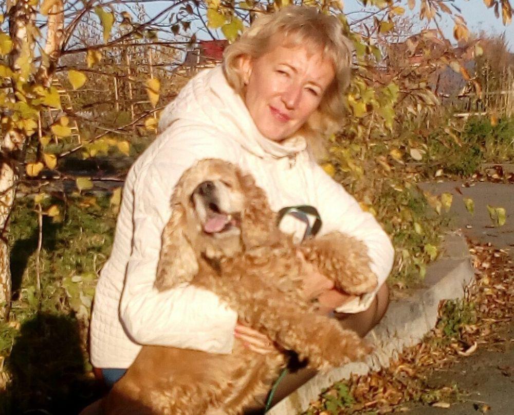 13. Л. Лахтина. Наше знакомство началось печально. Фото Арчи мы увидели в группе помощи животным. Посовещались с мужем и решили его взять. Хозяева отказались от пса, так как он уже старенький и больной. Но для нас он стал членом семьи, теперь пёс счастлив.