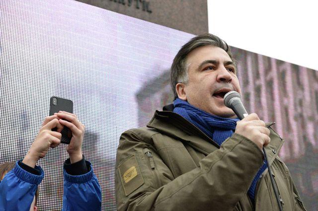 02:15 19/12/2017 0 494 Саакашвили сравнил Порошенко с пивом По словам политика Порошенко отравляет организм Украины