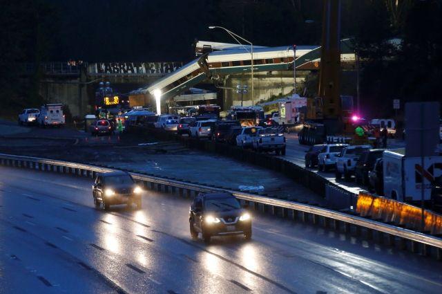 Шесть человек погибли в трагедии пассажирского поезда вСША