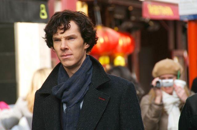 Бенедикт Камбербэтч в роли Шерлока.
