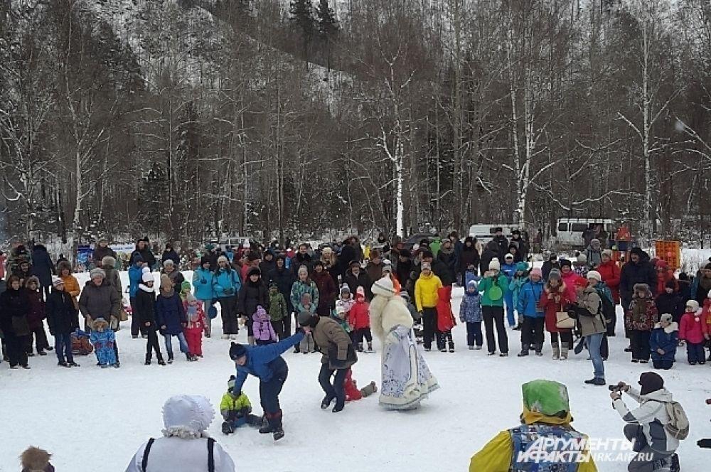 Какие только забавы и игры не приготовил Байкальский Дед мороз для своих гостей.
