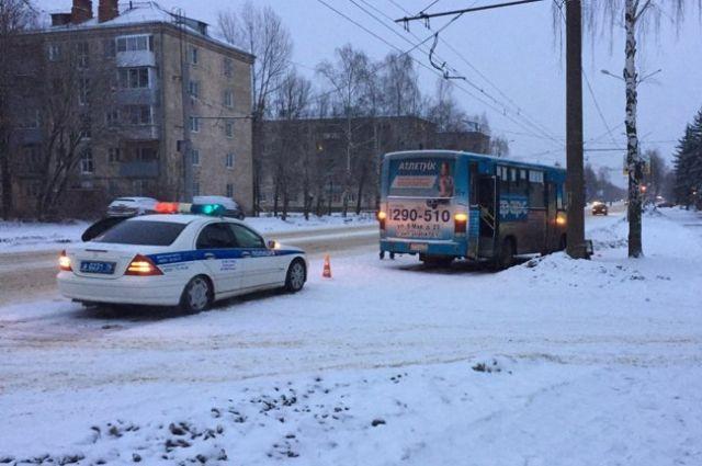 Сутра вРыбинске маршрутка сбила женщину насмерть
