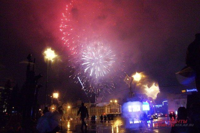 В Омске сообщили, где можно будет запускать салюты и фейерверки на новогодних праздниках.