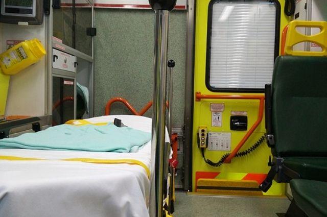 Машина скорой помощи с докторами перевернулась вАрхангельске