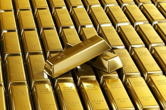 Суд обязал вернуть изъятое золото и крупную сумму денег скандальному судье