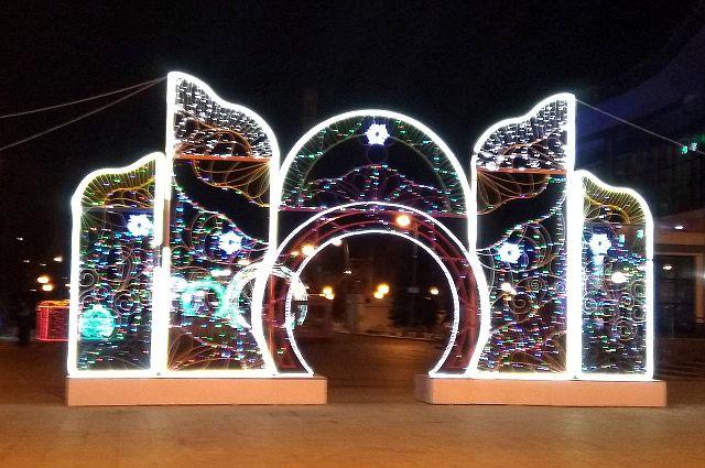 Главная елка Тюмени засверкает на Цветном бульваре