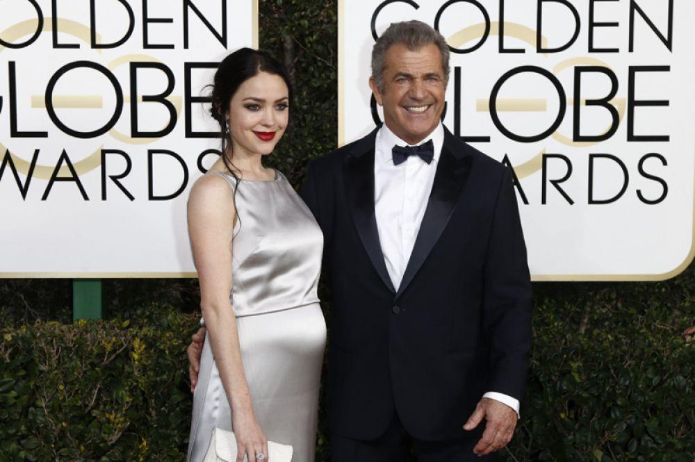 В конце января голливудский актер Мел Гибсон стал отцом в девятый раз. Ребенка 61-летнему артисту подарила его подруга, 26-летняя Розалинд Росс. Мальчика назвали Ларс Джерард.