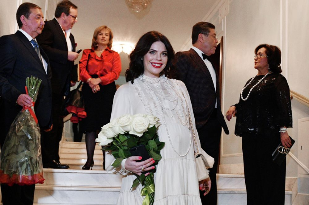 7 мая у певицы Анастасии Стоцкой и ее супруга Александра появился второй ребенок. Девочку назвали Верой.