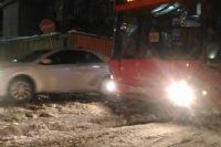Ледовые хребты в центре Казани.