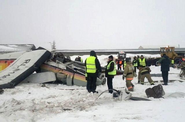 Четырех пострадавших вавиакатастрофе вНАО вывезут вАрхангельск