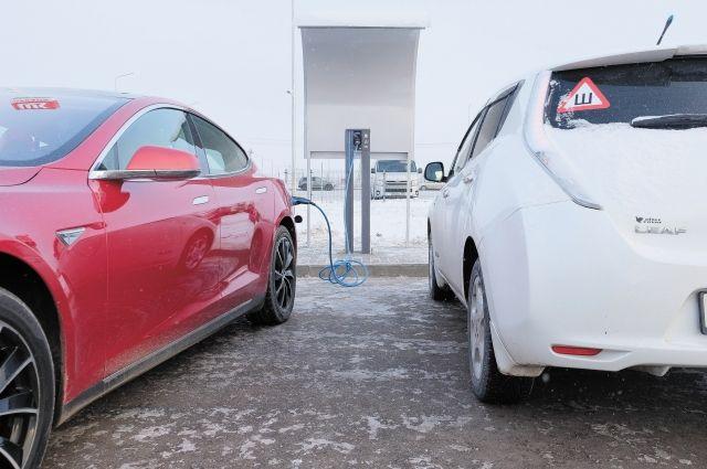 Первая в регионе заправка для электромобилей открылась 12 декабря в Перми.