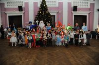 В Тюмени прошел новогодний утренник для детей-сирот