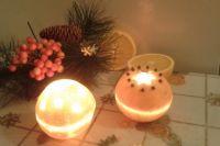 Такой оригинальный подсвечник на Новый год не только украсит праздничный стол, но и станет отличным подарком.