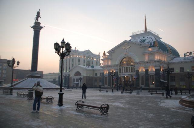 Силовики оцепили привокзальную территорию вКрасноярске из-за мобильного телефона